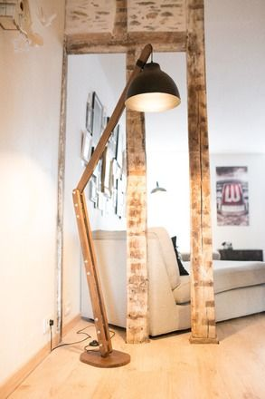 lampadaire salon bois
