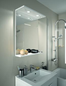miroir salle de bain avec éclairage intégré et prise