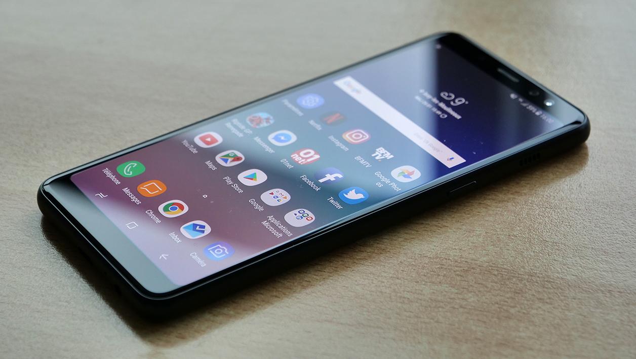smartphone milieu de gamme