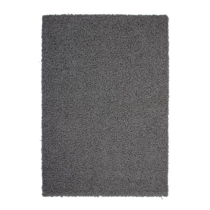 tapis gris foncé