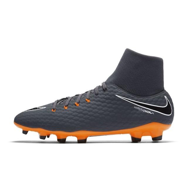 les chaussures de foot
